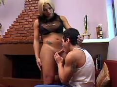 Beauty blonde tranny and guy suck cocks each other