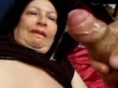 Big old woman gets cum in threesome