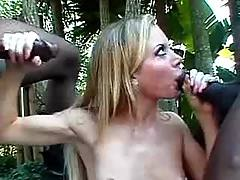 Two blacks mouthfuck babe