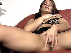 Milf gets nailed on sofa