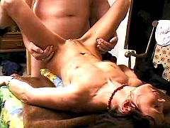 Old mommy gets pounded and jizzed